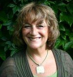 Sculptress Sue Pearl